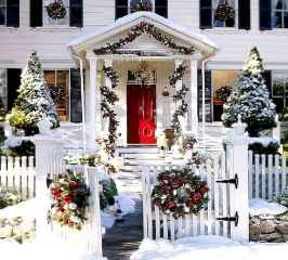 40 amazing outdoor christmas decorations ideas (41)