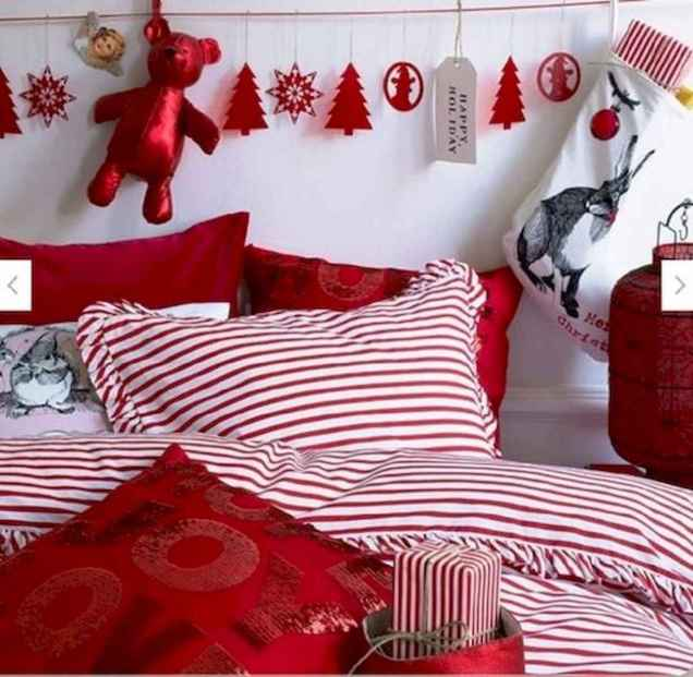 40 awesome bedroom christmas decorations ideas (36)