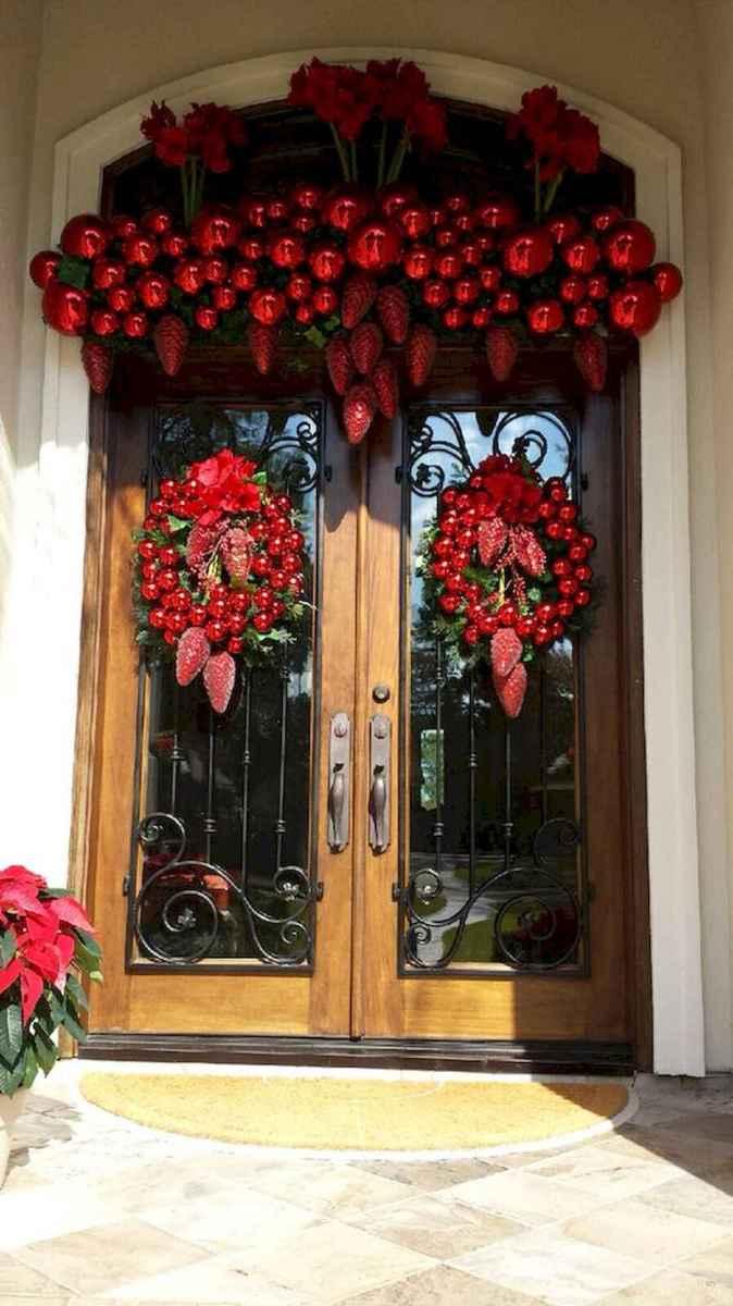 50 front porches farmhouse christmas decorations ideas (1)
