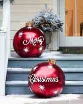 50 front porches farmhouse christmas decorations ideas (20)