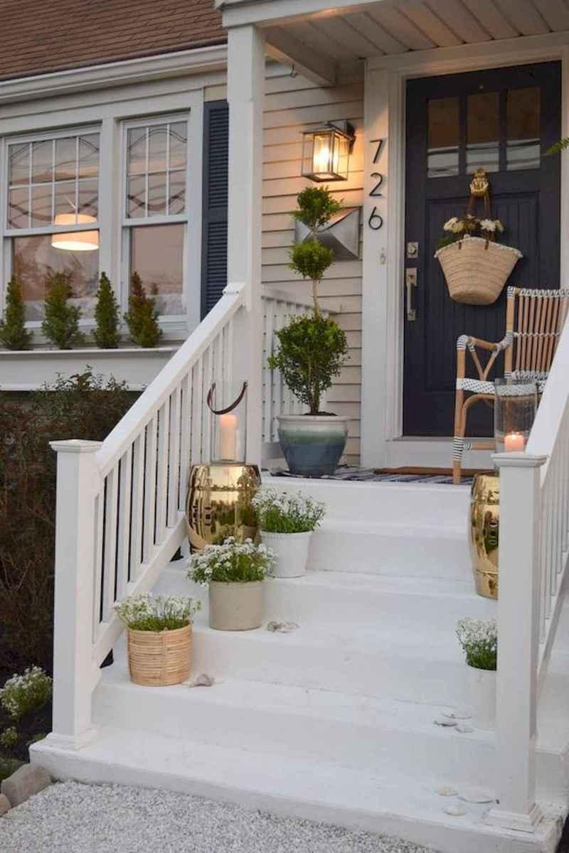 50 front porches farmhouse christmas decorations ideas (38)