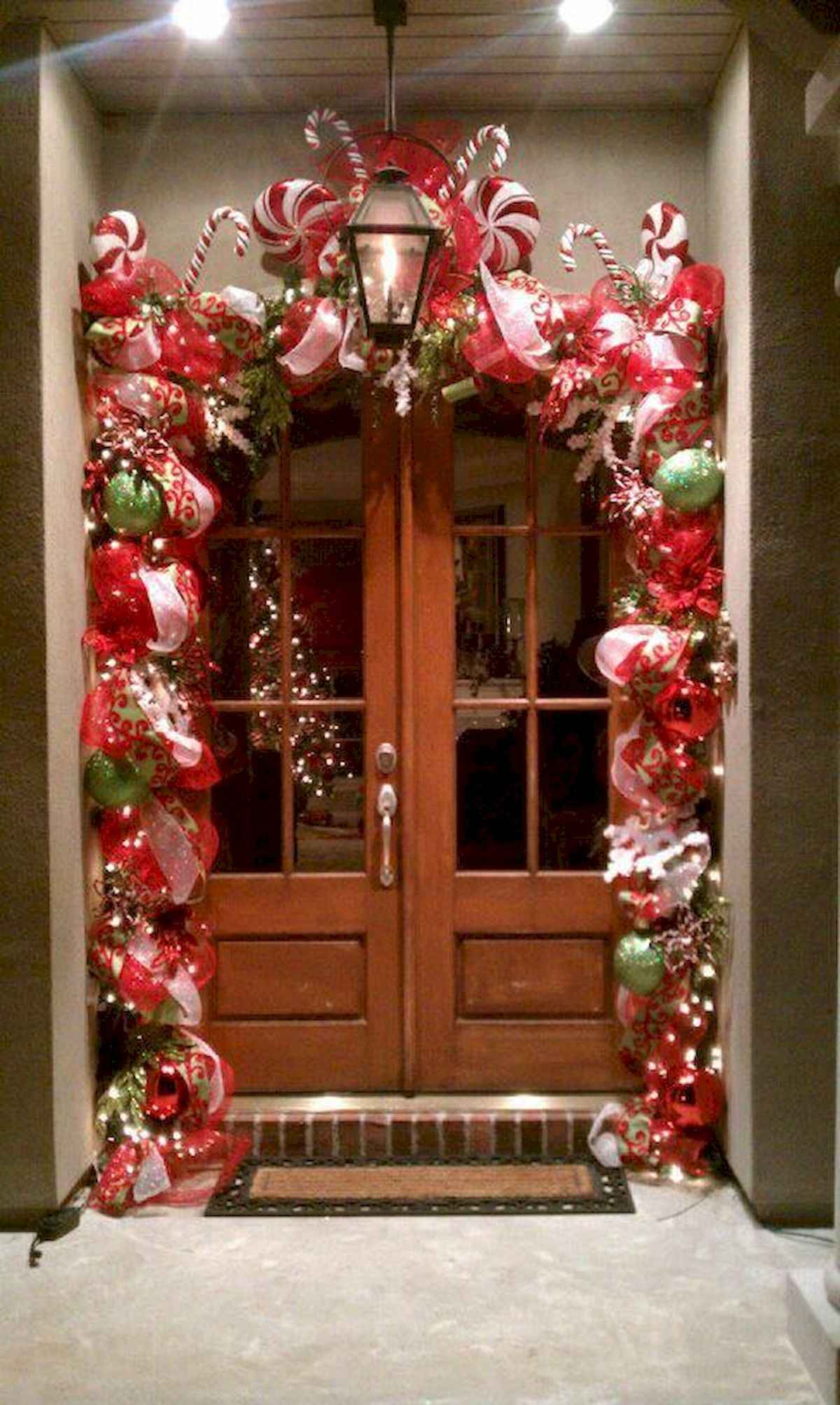 50 stunning front porch christmas lights decorations ideas (1)