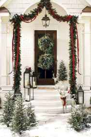 50 stunning front porch christmas lights decorations ideas (18)