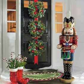50 stunning front porch christmas lights decorations ideas (19)