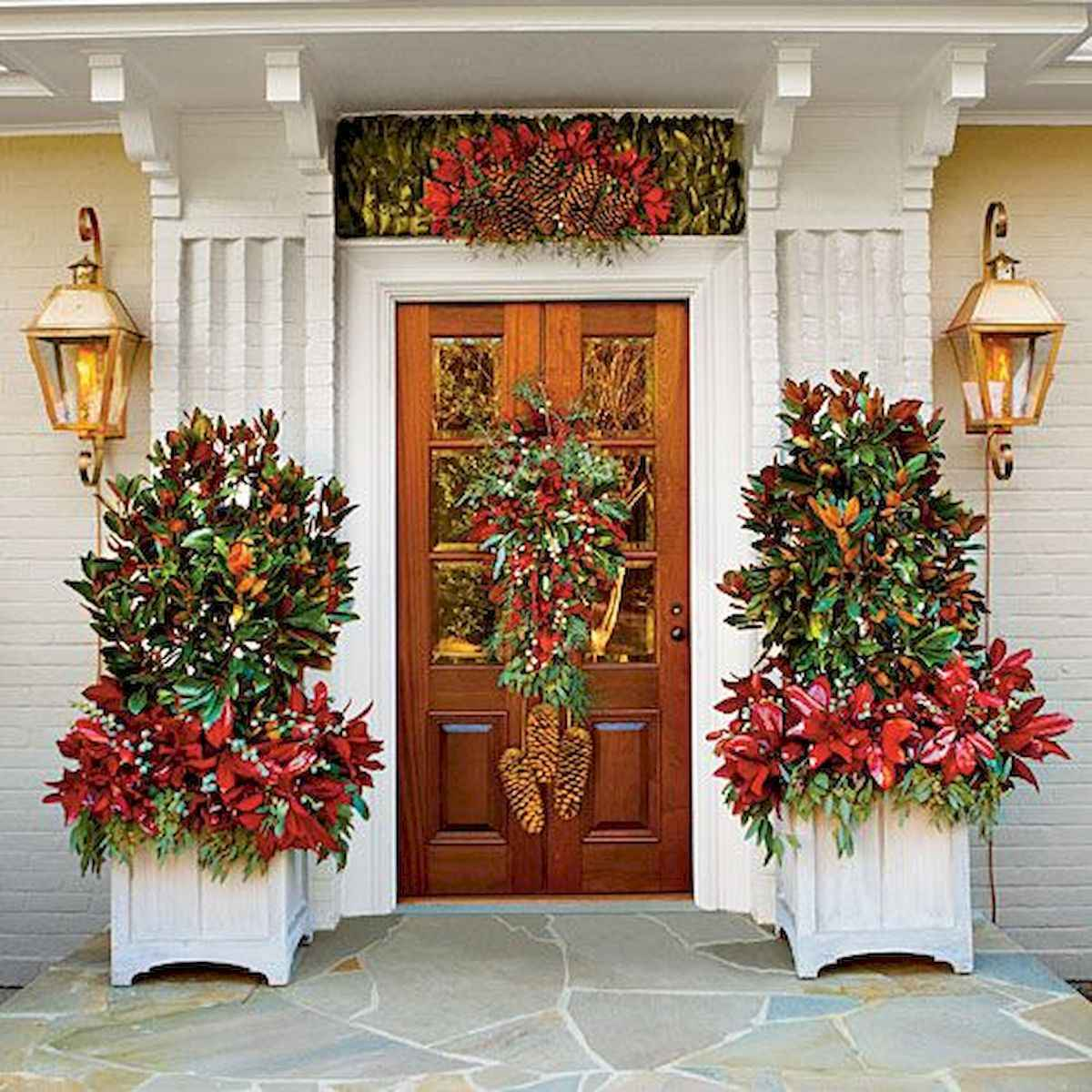50 stunning front porch christmas lights decorations ideas (27)