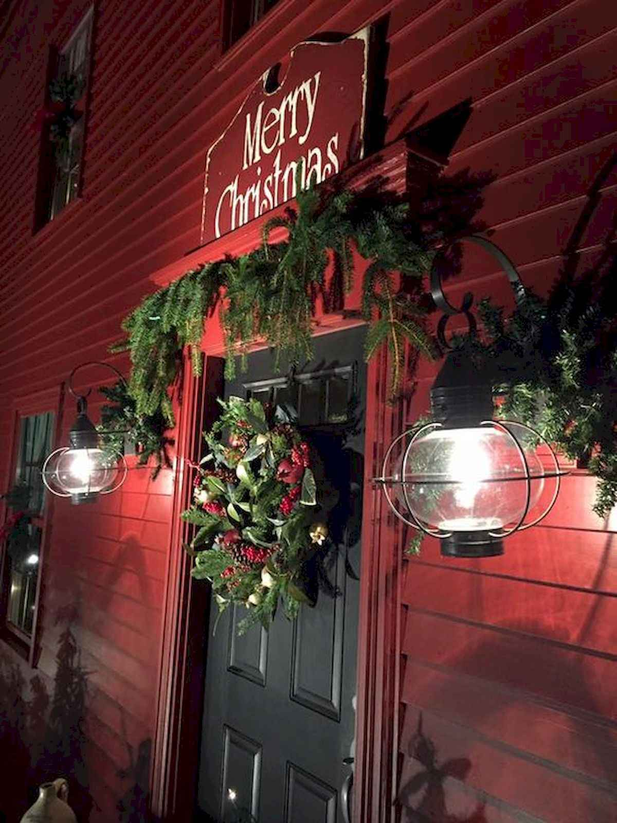 50 stunning front porch christmas lights decorations ideas (29)