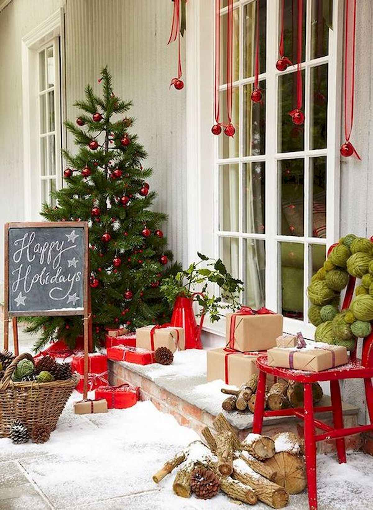 50 stunning front porch christmas lights decorations ideas (35)