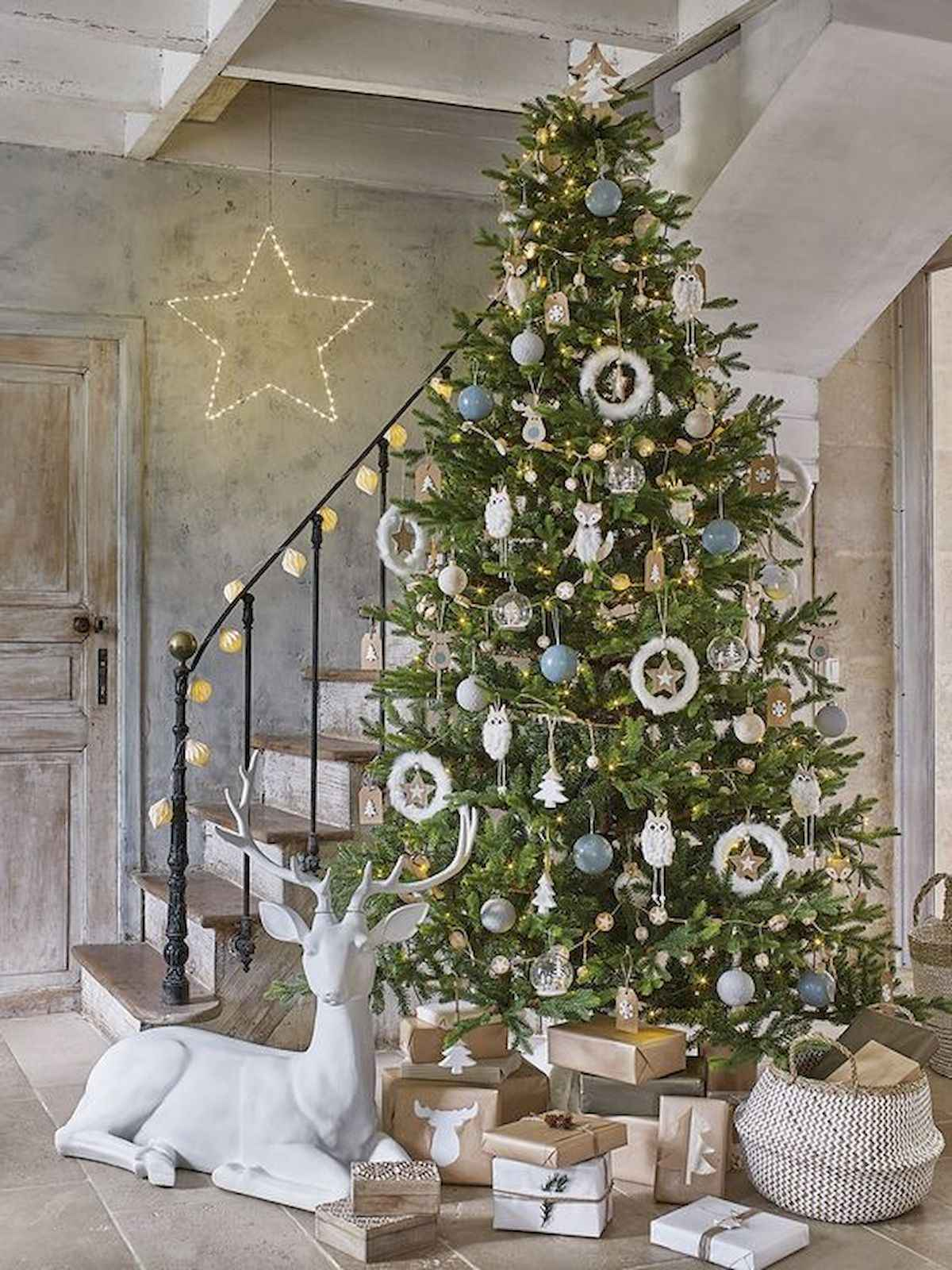 60 awesome christmas tree decorations ideas (15)