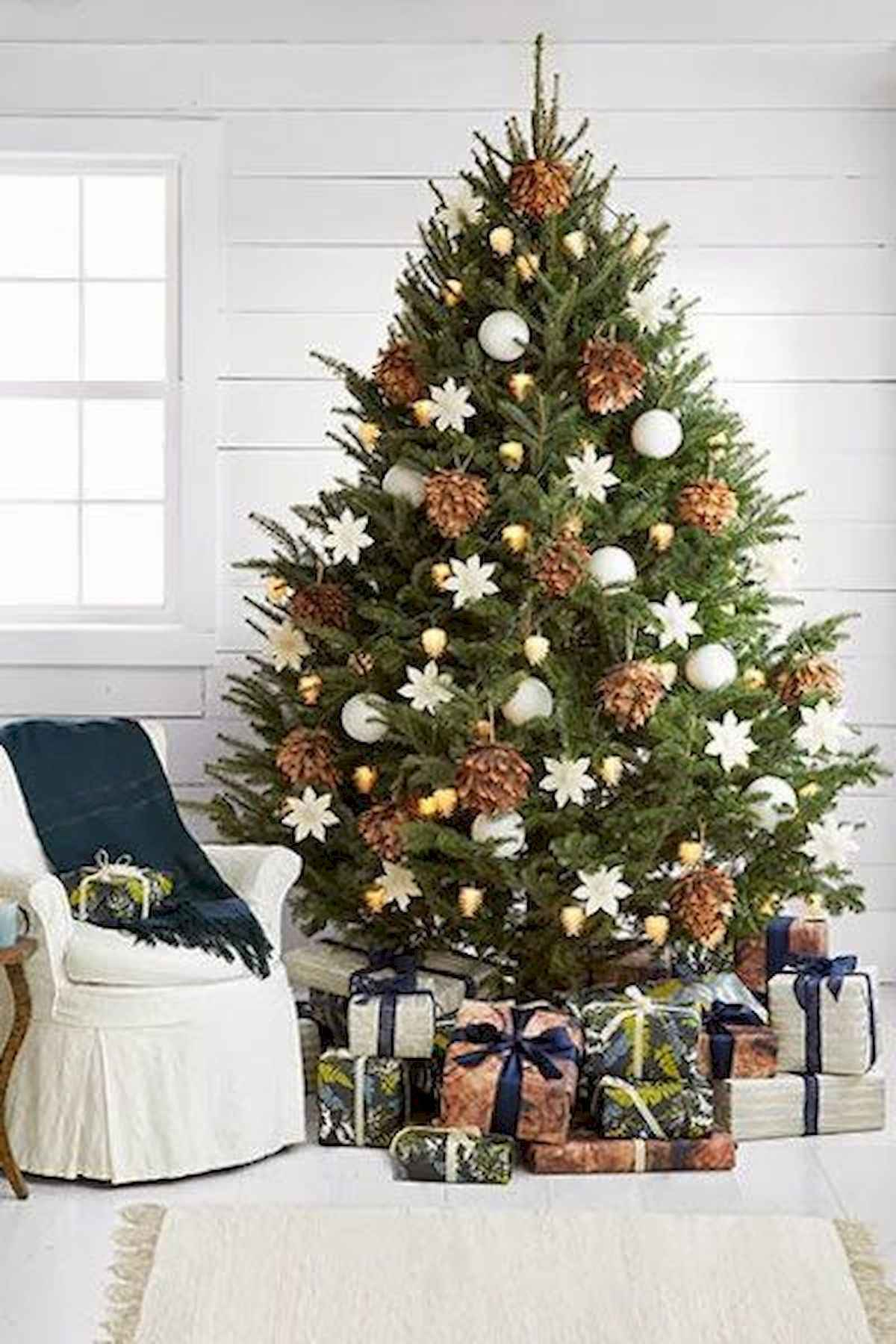 60 awesome christmas tree decorations ideas (28)