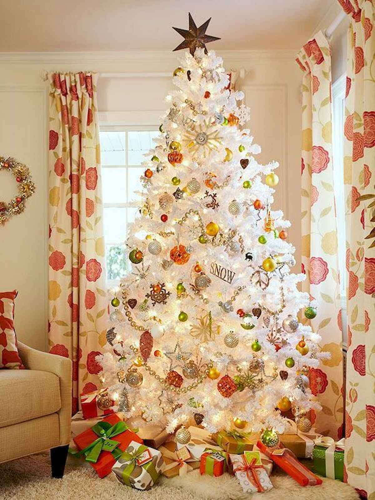 60 awesome christmas tree decorations ideas (32)