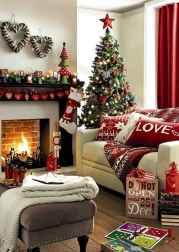60 simple living room christmas decorations ideas (5)