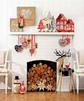 60 simple living room christmas decorations ideas (58)