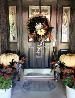 75 awesome helloween home decor ideas (35)