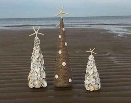 40 coastal christmas decor ideas and remodel (28)