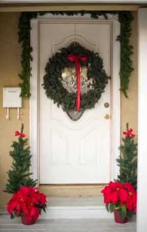 50 christmas front porch decor ideas and remodel (38)