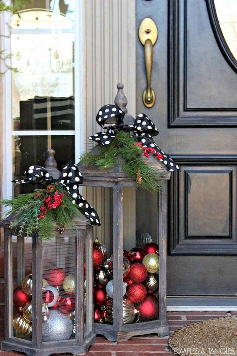 50 stunning christmas front porch decor ideas and design (29)