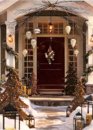50 stunning christmas front porch decor ideas and design (38)