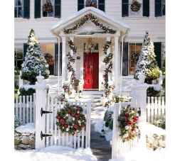 50 stunning christmas front porch decor ideas and design (41)