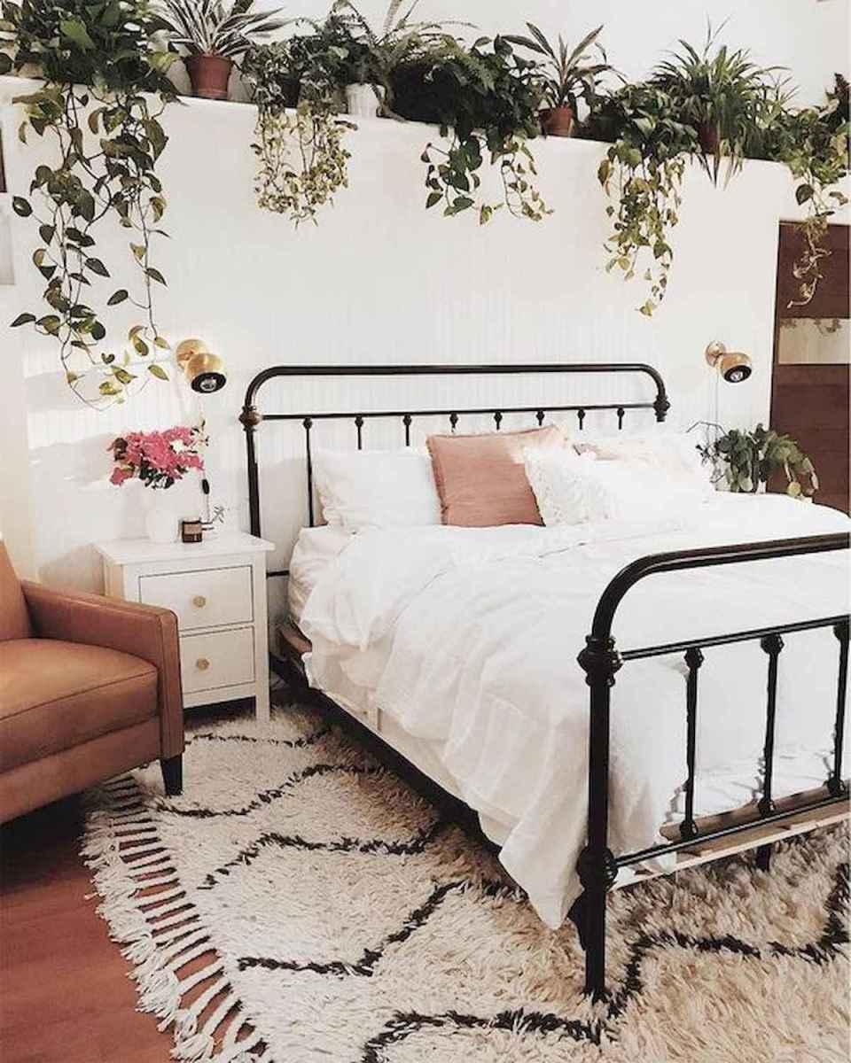 40 creative small apartment bedroom decor ideas (6)