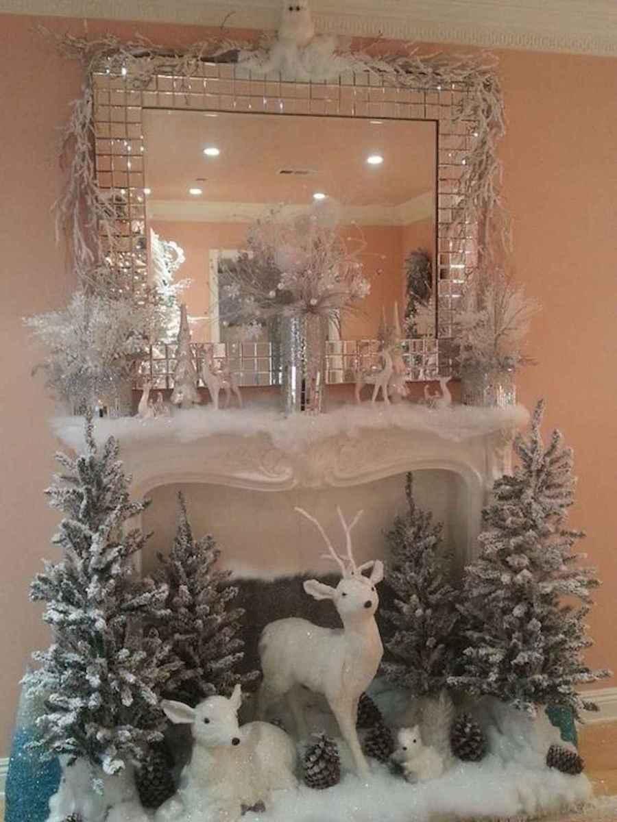 50 elegant christmas mantle decor ideas (15)