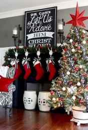 50 elegant christmas mantle decor ideas (20)
