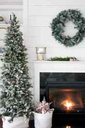 50 elegant christmas mantle decor ideas (47)