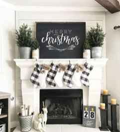 50 elegant christmas mantle decor ideas (49)