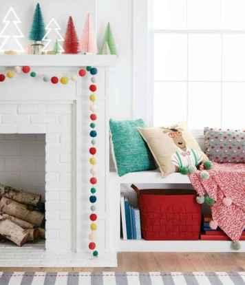 50 elegant christmas mantle decor ideas (52)