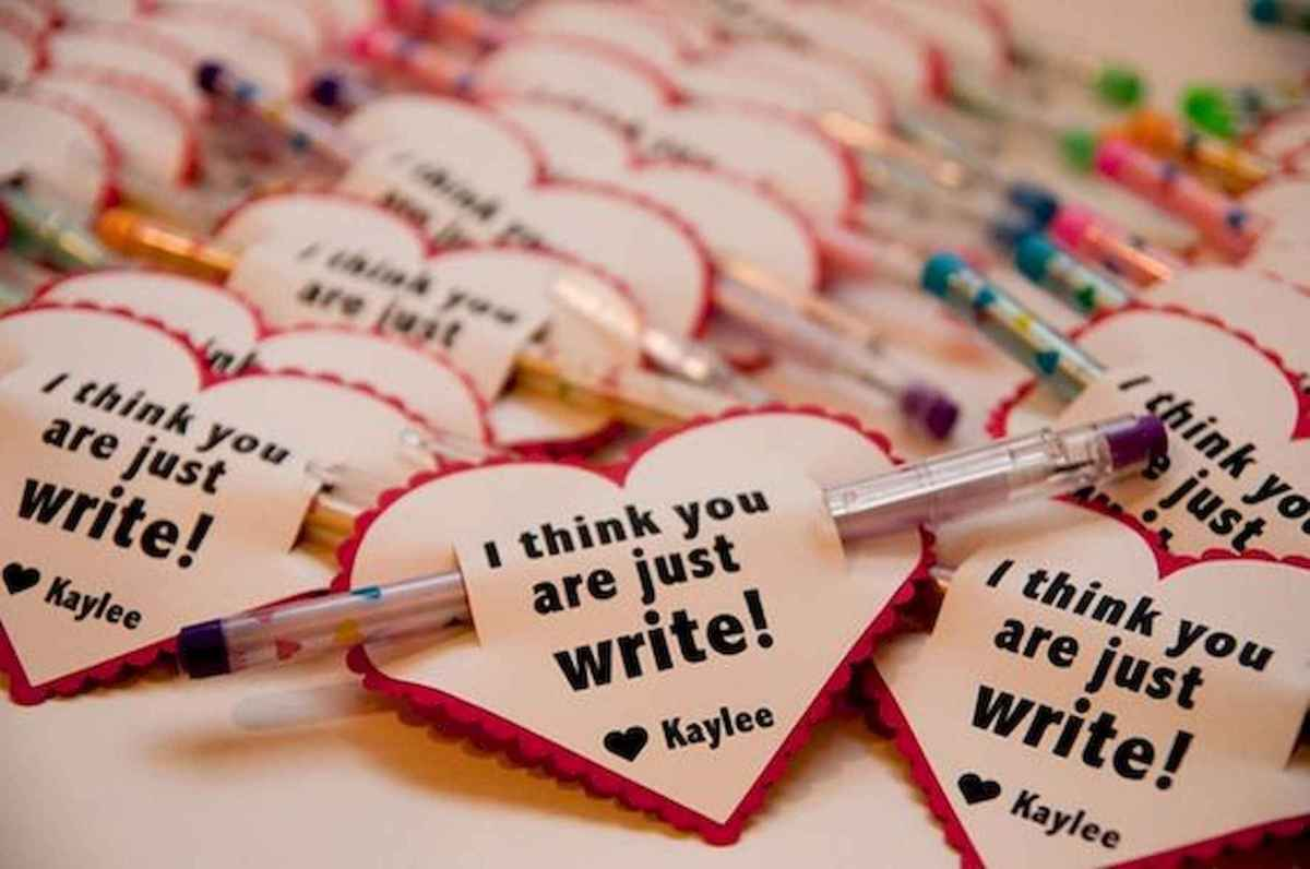 75 lovely valentines day crafts design ideas (39)