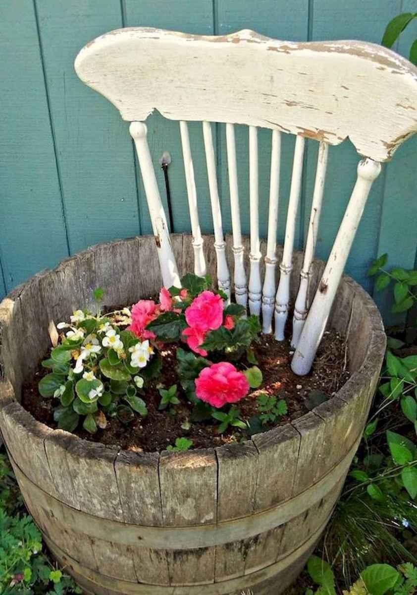 70 creative and genius garden art from junk design ideas for summer (54)