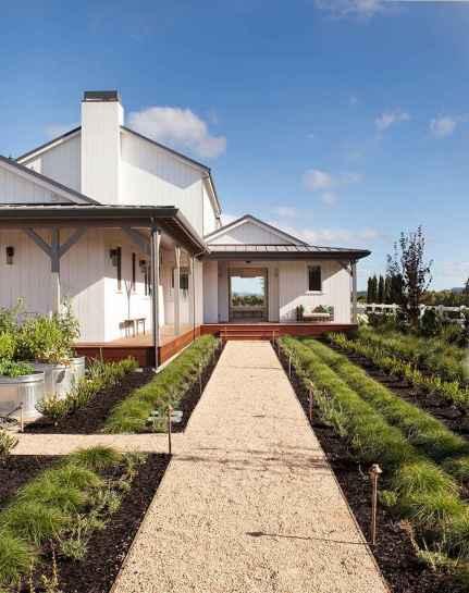 30 minimalist farmhouse exterior design ideas (12)