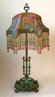 40 vintage victorian lamp shades ideas for decorating bedroom diy (20)