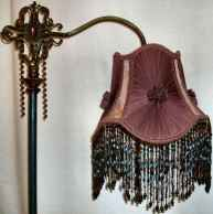 40 vintage victorian lamp shades ideas for decorating bedroom diy (4)