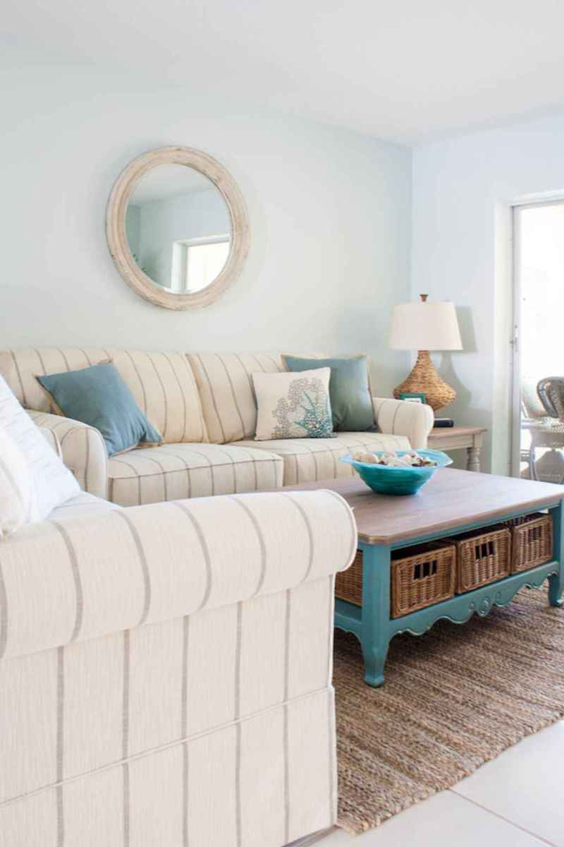 44 cozy coastal themed living room decor ideas that makes your home feels like beach (14)