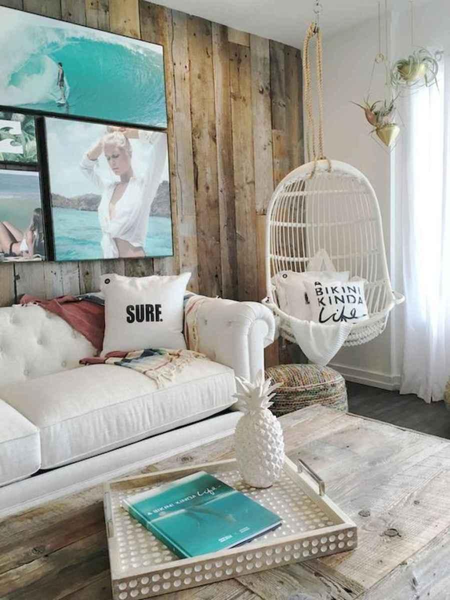 44 cozy coastal themed living room decor ideas that makes your home feels like beach (18)