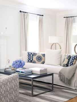 44 cozy coastal themed living room decor ideas that makes your home feels like beach (20)