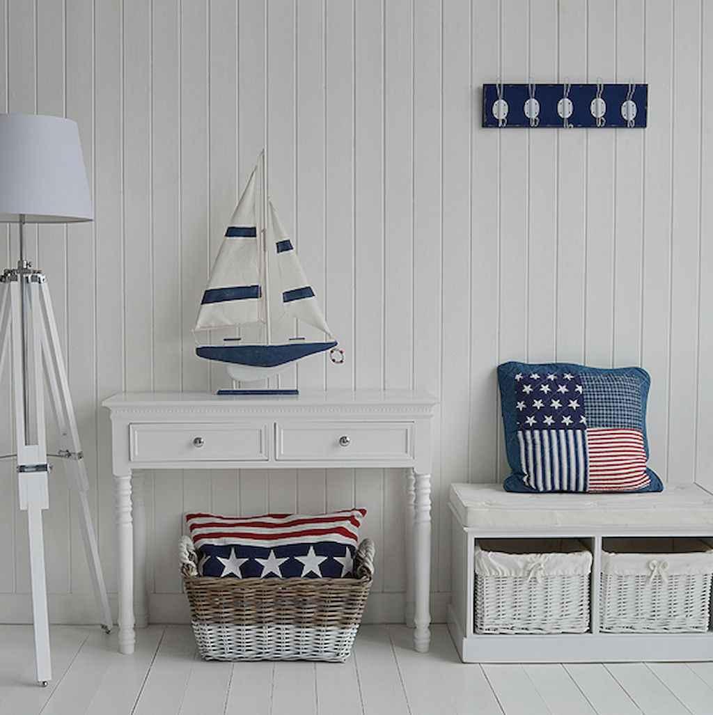 44 cozy coastal themed living room decor ideas that makes your home feels like beach (21)