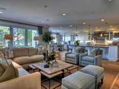 44 cozy coastal themed living room decor ideas that makes your home feels like beach (31)
