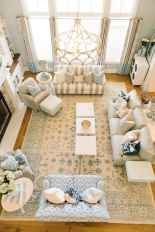 44 cozy coastal themed living room decor ideas that makes your home feels like beach (34)