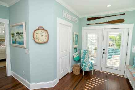 44 cozy coastal themed living room decor ideas that makes your home feels like beach (38)