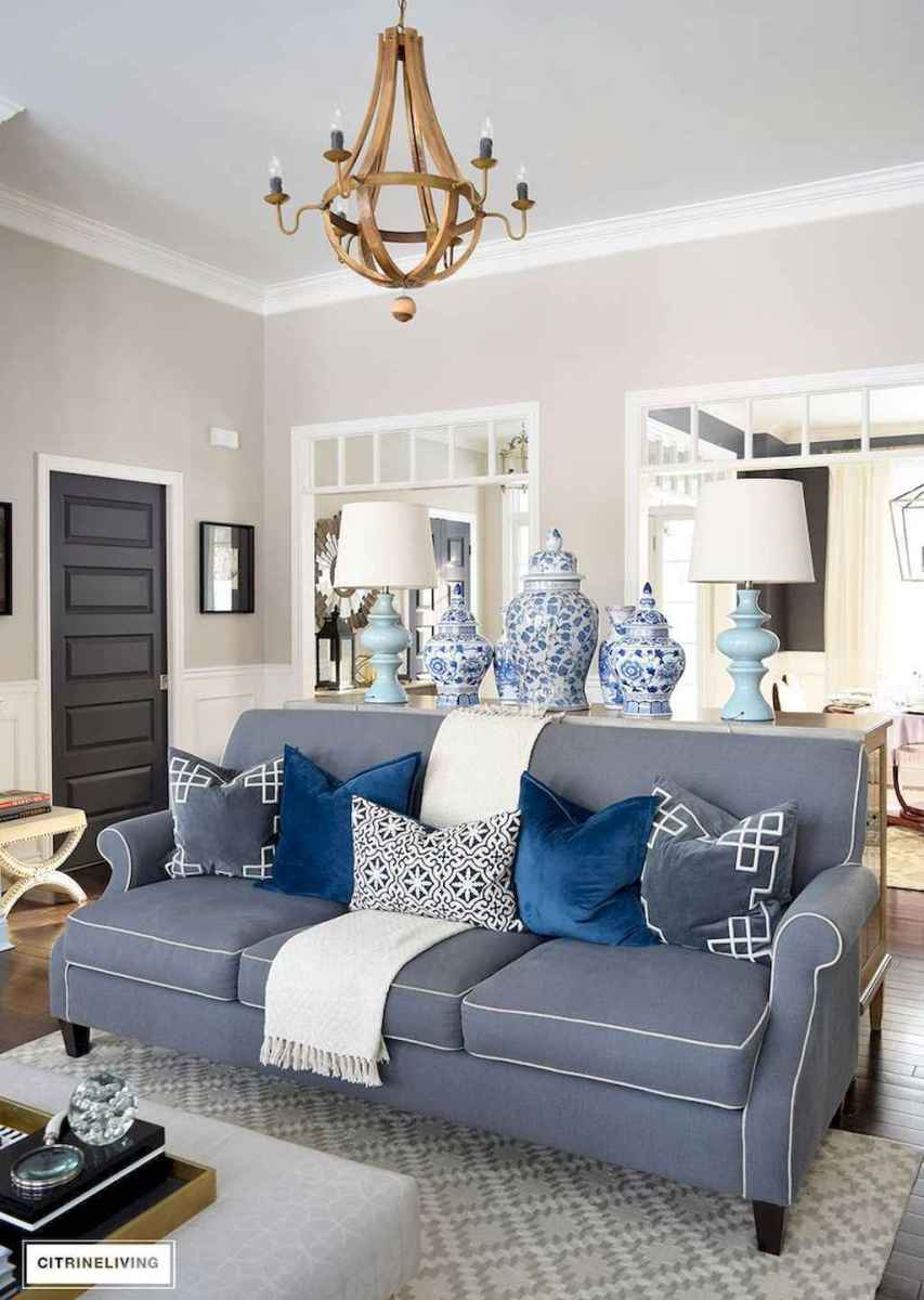 44 cozy coastal themed living room decor ideas that makes your home feels like beach (41)