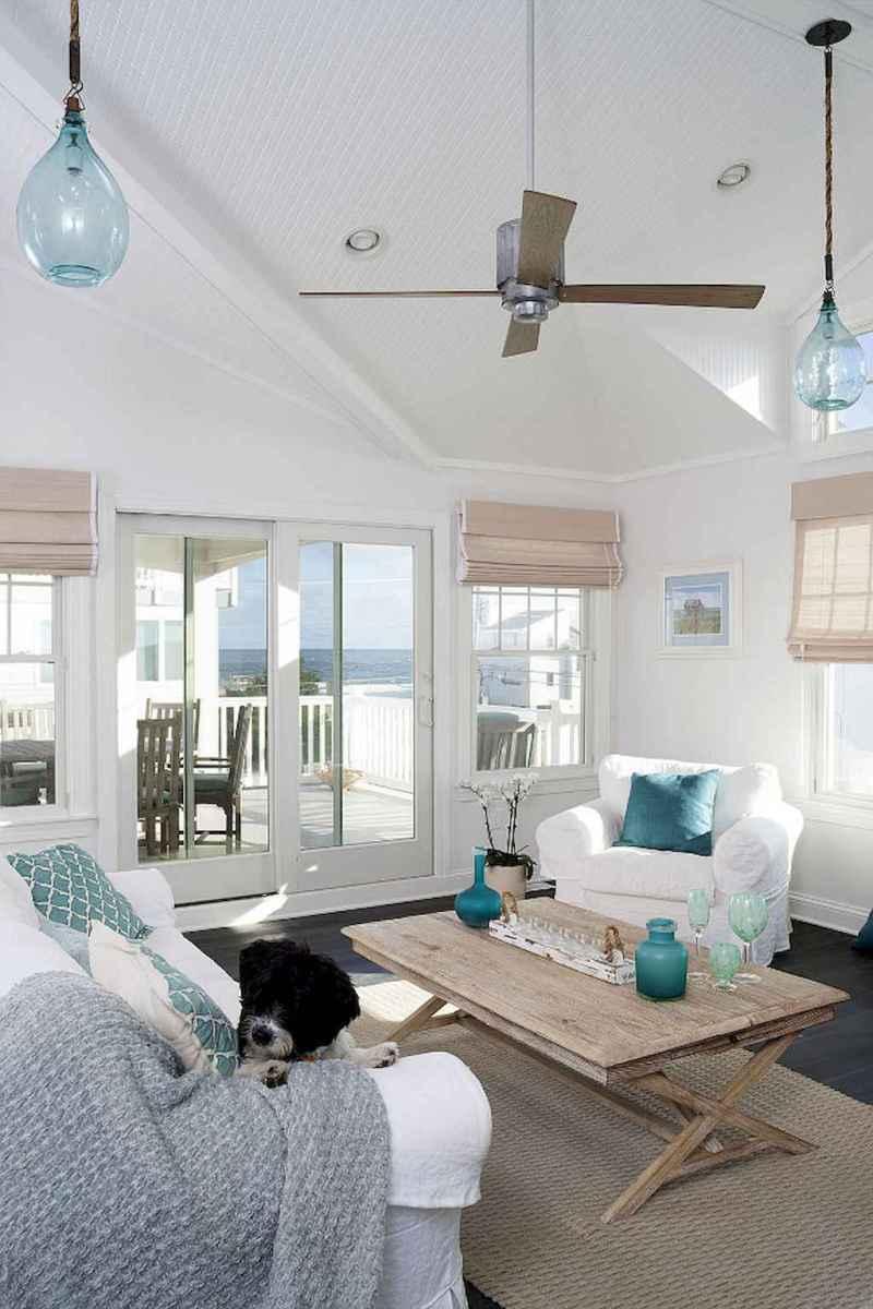 44 cozy coastal themed living room decor ideas that makes your home feels like beach (5)