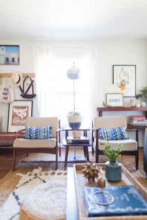 44 modern bohemian living room ideas for small apartment (17)