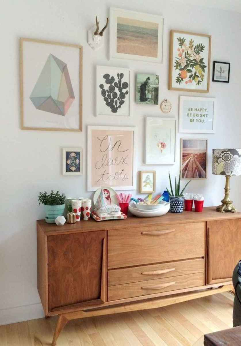 50 beautiful gallery wall ideas to show your photos (36)