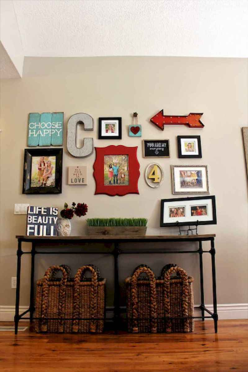 50 beautiful gallery wall ideas to show your photos (38)