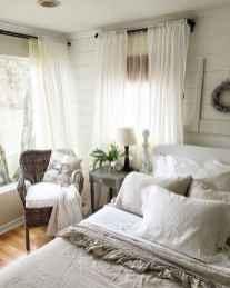 Inspiring modern farmhouse bedroom decor ideas (18)