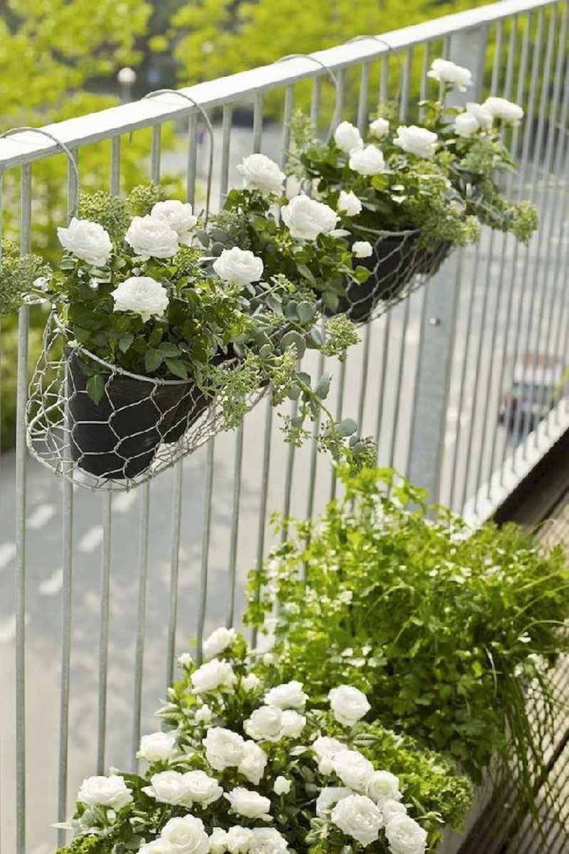 Adorable diy container herb garden design ideas (22)