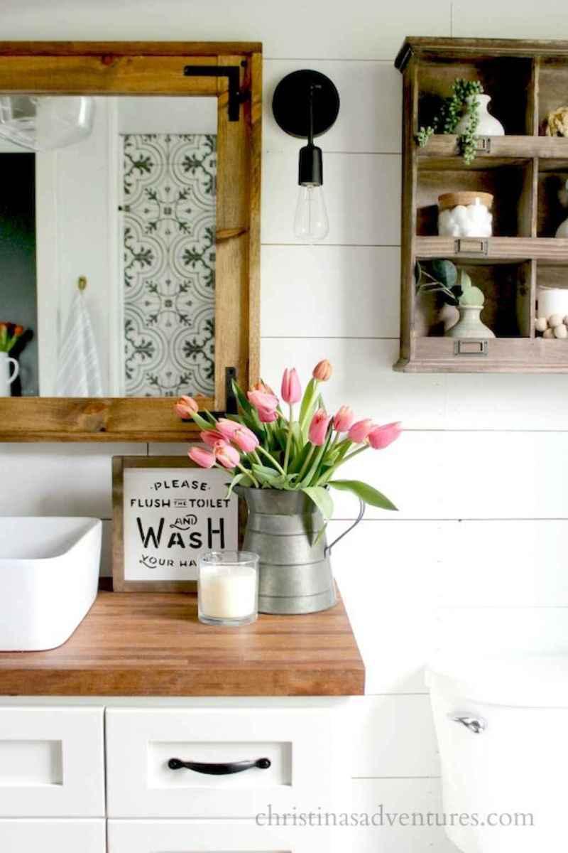 Rustic farmhouse bathroom design ideas (10)