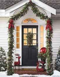 Beautiful 26 christmas porch decor ideas