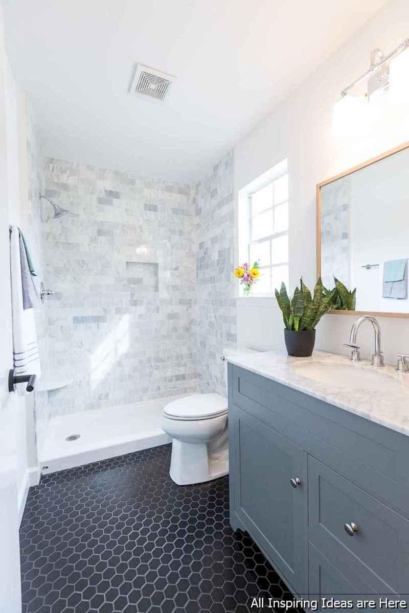 Minimalist modern farmhouse small bathroom decor ideas 24